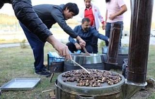 Bartın Üniversitesi öğrencilerine çay ve kestane...