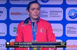 Cumhurbaşkanı Erdoğan Elif Güneri'yi tebrik...