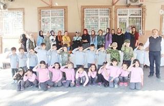 Minik öğrencilerden Mehmetçik Vakfına bağış