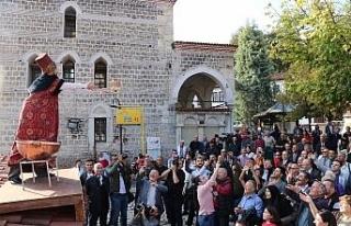 Safran Festivali kortej yürüyüşüyle başladı