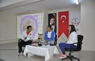 Safranbolu'da milli sporcu öğrencilerle buluştu