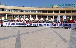 Suriyeli öğrencilerden Mehmetçik için dua