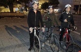 Düzceli bisikletçiler Anıtkabir'e bisikletleriyle...
