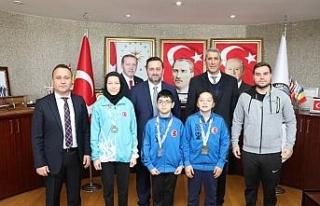 Başkan Yanmaz'dan Derece'ye Giren Sporculara...