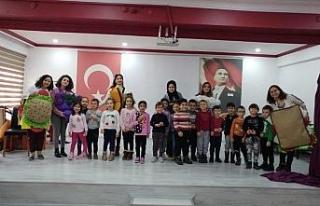 Düzce Üniversitesi ilkokullara destek vermeye devam...