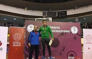 Güreşte bölge şampiyonu Akçakoca'dan çıktı