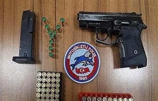 Polis ekipleri şok uygulamalarda silah ve uyuşturucu...
