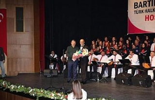 Türk Halk Müziği Korosundan 10'uncu yıl konseri