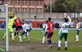 Kömürspor evinde Yeşil Bursaspor'a mağlup oldu