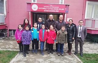 Öğrenciler yuvadaki çocukları ziyaret etti...