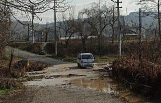 Aşırı yağışlar köyün ulaşımını kapattı,...