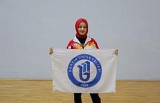 Bartın Üniversitesi öğrencileri 13 altın madalya...