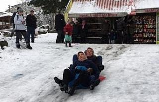 Bartın'da vatandaşlar karın tadını çıkarttı