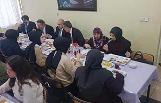 Eski Bakan Güçlü, Arsal Anadolu Lisesi'nden öğrencilerle...