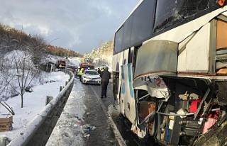 Otobüs tüp yüklü kamyonete çarptı!...