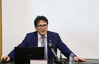 """Prof. Dr. Çakan: """"Doğu Türkistan, Türk ve..."""