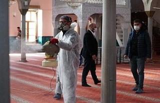 Tüm camiler dezenfekte edildi