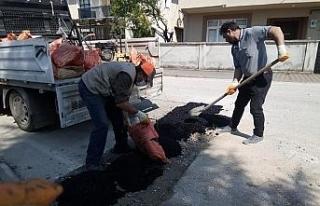 2 mahallede asfalt yama çalışması yapıldı