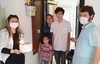 19 Mayıs doğumlu gençlere doğum günü sürprizi