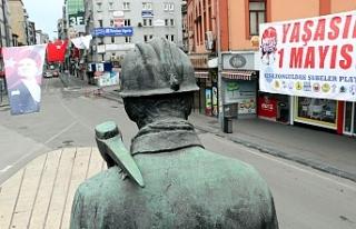 1 Mayıs'ta Madenci Anıtı'nda sessizlik...