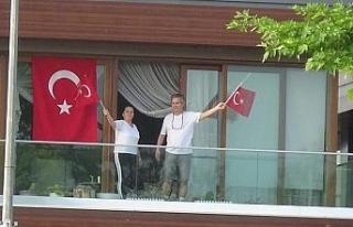 Atatürk ve İstiklal Marşı sevgisi genç yaşlı...