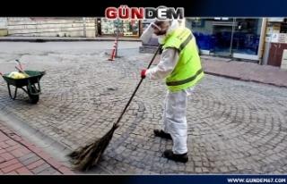 Belediye ekipleri temizlik çalışmalarını sürdürüyor