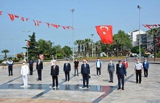 Ereğli'de, 'sosyal mesafe'li 19 Mayıs...