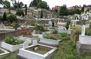 Zonguldak'ta Mezarlıklar ilk kez bu kadar boş...