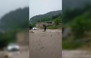 Düzce'de sağanak yağış sele neden oldu