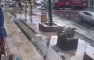 İtfaiye aracının kaza anı saniye saniye görüntülendi