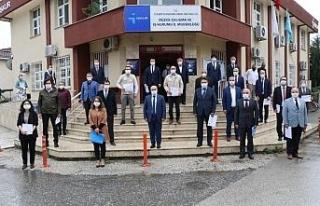 Vali Dağlı İş-Kur personeline teşekkür belgesi...