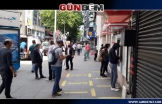 Yasaklar sona erince vatandaş caddelere akın etti