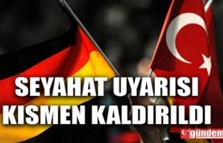 ALMANYA TÜRKİYE'YE YÖNELİK SEYAHAT UYARISINI...
