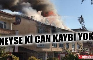 ÇAYCUMA'DA 3 KATLI BİNANIN ÇATISINDA YANGIN...