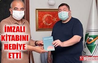 DEVREK BELEDİYE BAŞKANI BOZKURT, ŞAİR HELVACIOĞLU'NU...