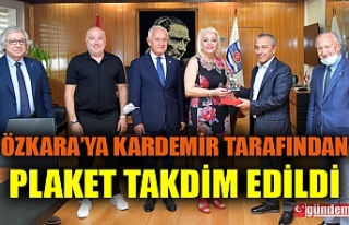 KARDEMİR'DE REYHAN ÖZKARA'YA PLAKET TAKDİM...