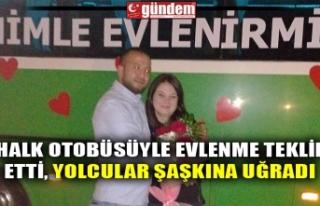 HALK OTOBÜSÜYLE EVLENME TEKLİF ETTİ, YOLCULAR...