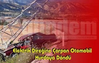 Elektrik Direğine Çarpan Otomobil Hurdaya Döndü