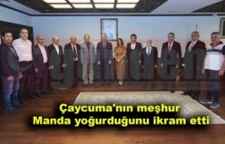 Gençer ve yönetim kurulu üyeleri, İsmail Ergüneş'i...