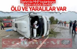 MHP toplantısına giden otobüs kaza yaptı