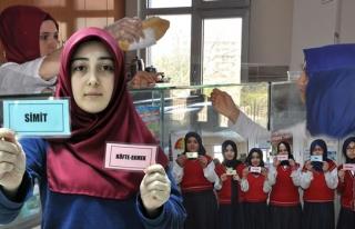 Osmanlı'nın geleneğini okullarında yaşatıyorlar