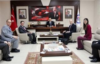 Başkan Uysal, yabancı konuklarını ağırladı