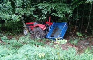 Ereğli´de yoldan çıkan traktör şarampole...