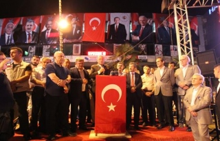 """Hasan Celal Güzel; """"Bu milletin devrilmesi mümkün..."""