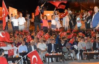 Ereğli´li Vatandaşlar Demokrasi nöbetini...