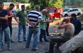 Mahalleliyle maden işçilerinin kavgasında madenin...