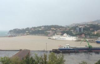 Zonguldak Limanı çamur deryasına büründü