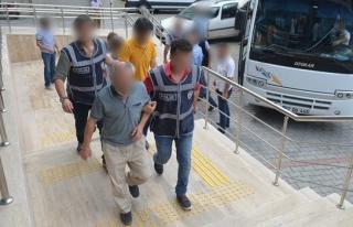 FETÖ soruşturması kapsamında 2'si kadın 9 şüpheli...