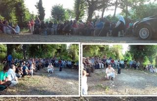 Vatandaşlar Arife gününde mezarlıklara akın etti