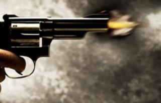 'Adamın kafasına silahı böyle dayadım' dedi...